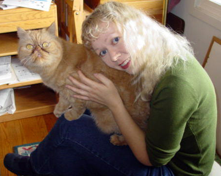 Pet sitter Lorna with her cat, Fweedie